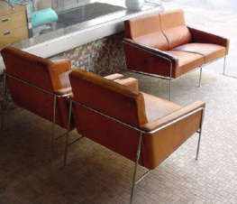 Arne Jacobsen 3300 Series Leather Seating Group