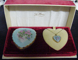 LaMode Compact & Locket Set